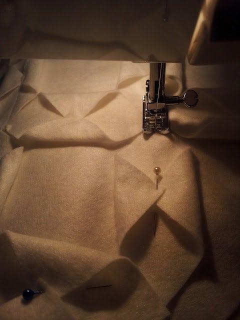 μαξιλαρακια απο τσοχα, πως ραβουμε μαξιλαρακια απο τσοχα