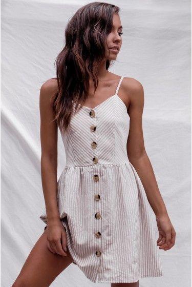 φορεμα με κουμπια και ραντες , πατρον σε ολα τα μεγεθη